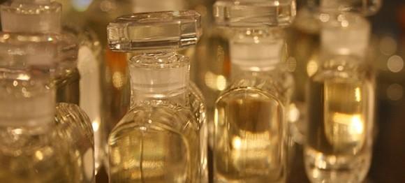 Bálnahányás és kémcsövek - miből készül a parfüm?